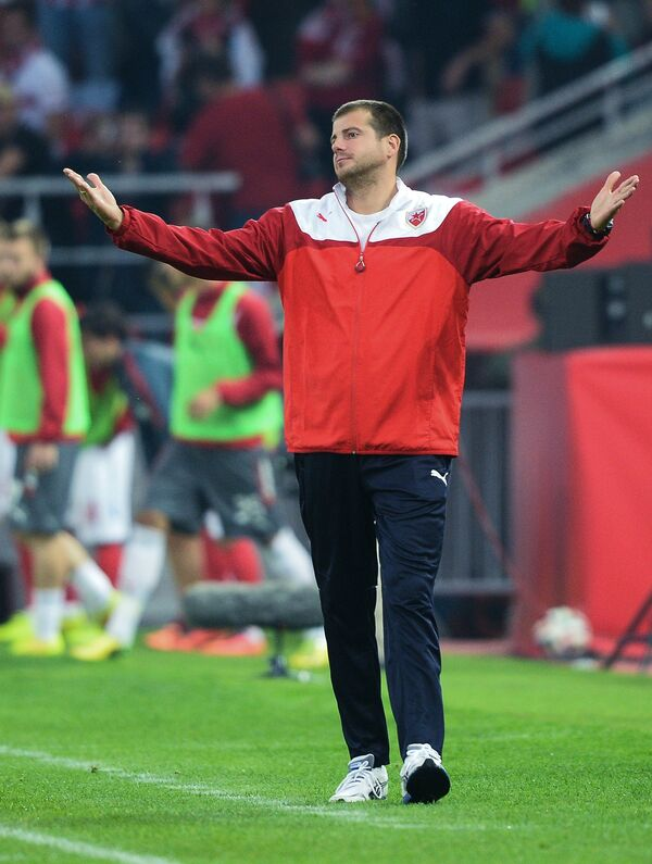 Главный тренер сербской Црвены Звезды Ненад Лалатович