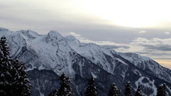 Вид на горный хребет Псехако