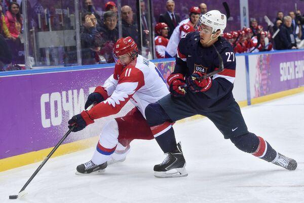 Евгений Малкин (слева) и Райан Макдона