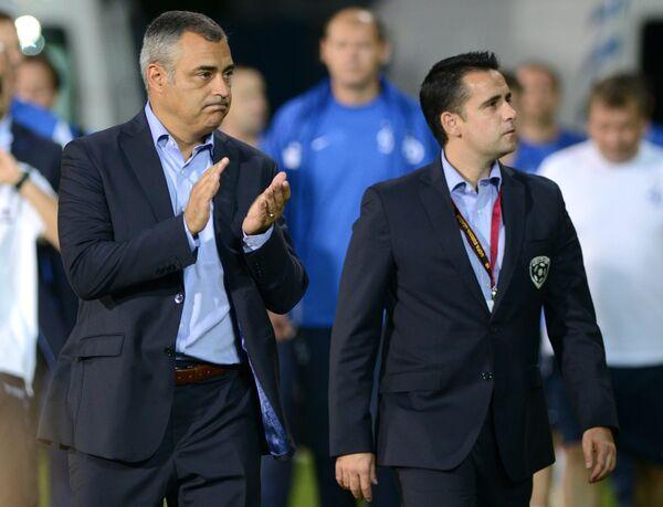 Главный тренер Эшторила Жозе Коусейру (слева)
