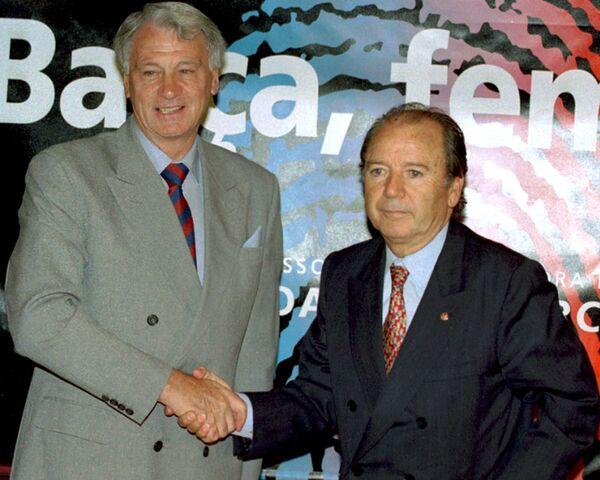 Бывший президент Барселоны Хосеп Нуньес (справа)