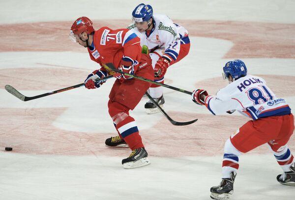Илья Ковальчук, Милан Доудера и Петр Голик (слева направо)