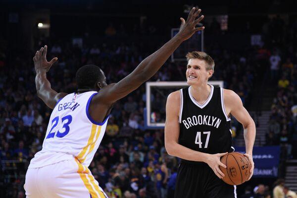 Баскетболисты Голден Стэйт дома обыграли Бруклин