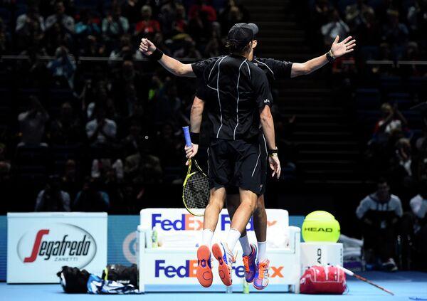 Братья Брайан после победы на итоговом турнире ATP