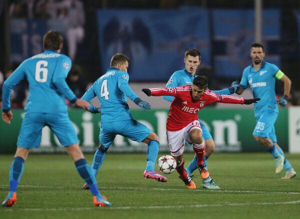 Игровой момент матча Зенит - Бенфика