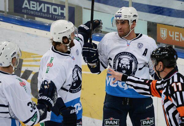 Хоккеисты Медвешчака радуются заброшенной шайбе