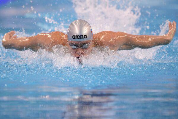 Александр Тихонов (Россия) на дистанции 400 метров комплекс