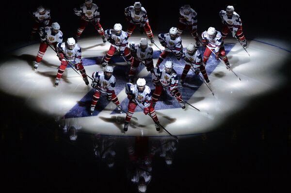 На церемонии открытия второго этапа Еврохоккейтура 2014/15 Кубок Первого канала в Сочи
