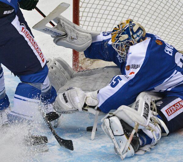 Вратарь сборной Финляндии Атте Энгрен