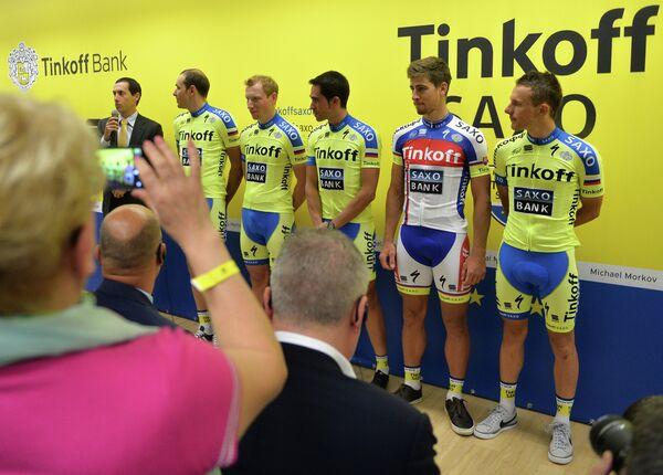 иколай Трусов, Павел Брутт, Альберто Контадор, Петер Саган и Рафал Майка (слева направо)