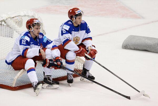 Форварды молодежной сборной России Павел Бучневич (слева) и Сергей Толчинский