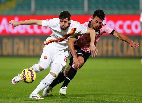 Игровой момент матча Палермо - Рома
