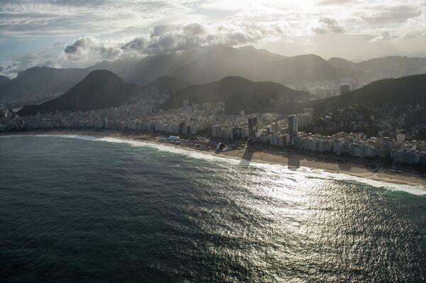 Вид на пляж Копакабана в Рио-де-Жанейро