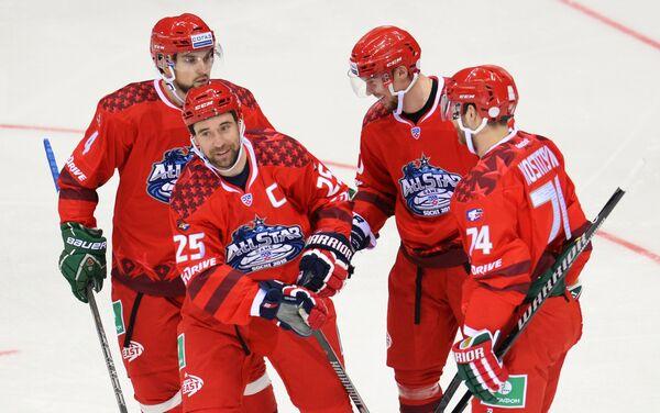 Игроки команды Восток Кирилл Кольцов, данис Зарипов, Сергей Мозякин и Сергей Костицын (слева направо)