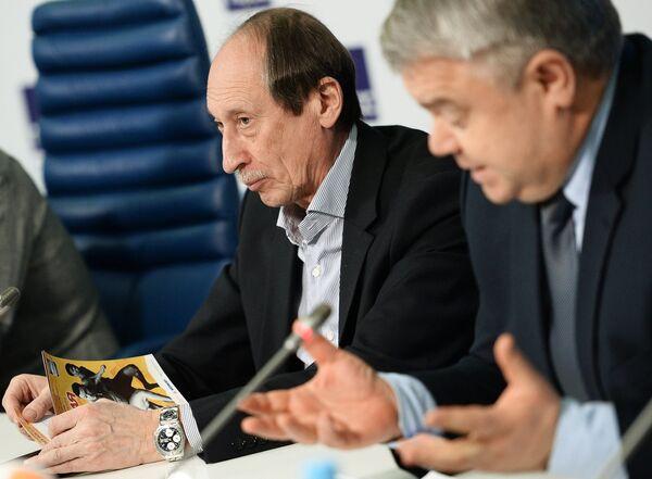 Валентин Балахничев (слева)