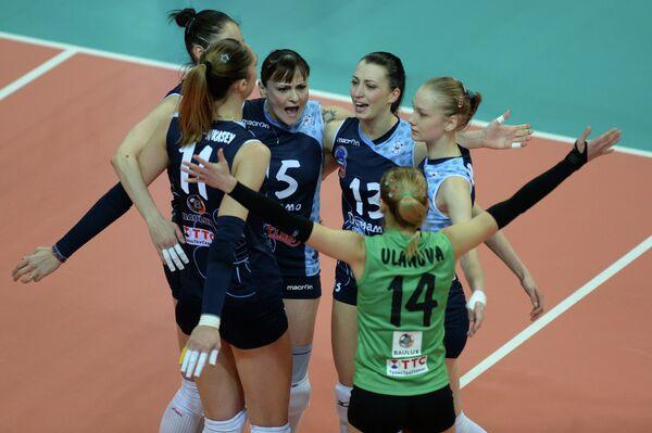 Игроки ВК Динамо-Казань радуются выигранному очку