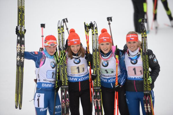 Вероника Виткова, Йитка Ландова, Габриэла Соукалова и Ева Пускарчикова (слева направо)