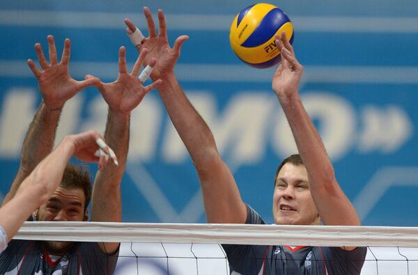 Волейболисты Белогорья Драган Травица и Алексей Казаков (слева направо)