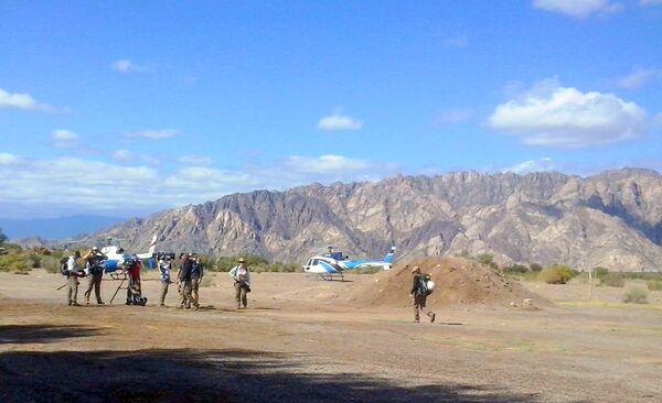 Журналисты на месте крушения вертолетов в Аргентине