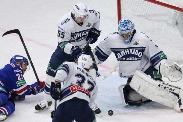 Игровой момент матча СКА - Динамо (Москва)