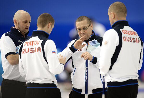 Игроки сборной России Олег Дарчиев, Александр Пятаков, Юрий Макеев, Роман Голушко (слева направо)