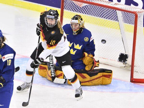 Игровой момент матча Швеция - Германия