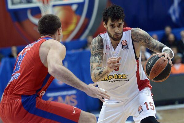 Виктор Хряпа (слева) и Георгиос Принтезис