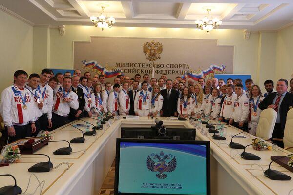 Встреча Виталия Мутко со сборной России, принимавшей участие в Сурдлимпийских играх 2015 года