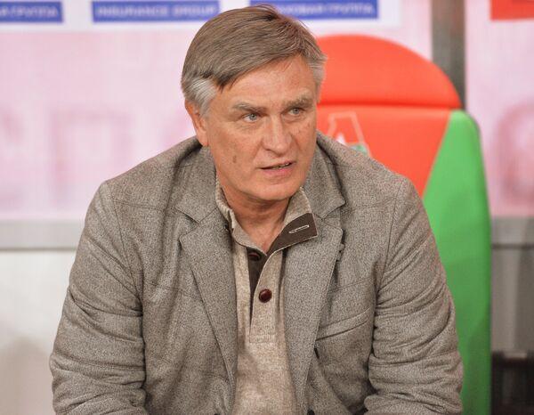 Главный тренер ФК Торпедо Валерий Петраков