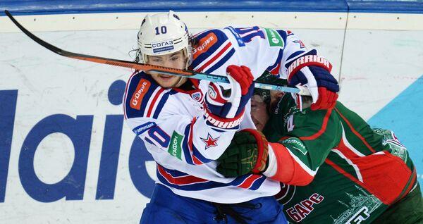 Виктор Тихонов (слева) и Владимир Денисов