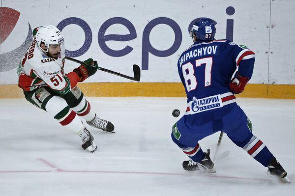 Джастин Азеведу (слева) и Вадим Шипачёв