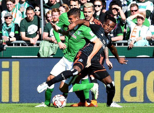 Игровой момент матча Вердер - Гамбург