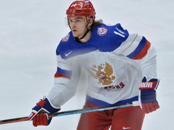 Нападающий сборной России Виктор Тихонов