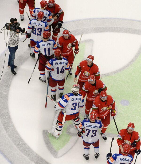 Игроки сборных команд России и Белоруссии по хоккею