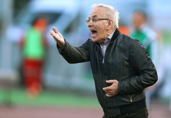 Главный тренер Амкара Гаджи Гаджиев.