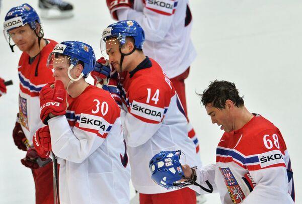 Хоккеисты сборной Чехии после поражения в матче 1/2 финала чемпионата мира