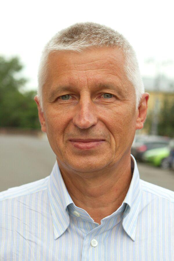 Главный тренер олимпийской сборной по прыжкам на батуте Николай Макаров