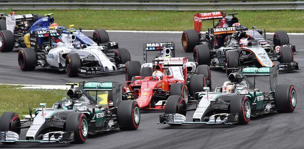 Пилоты Формулы-1 на старте Гран-при Австрии