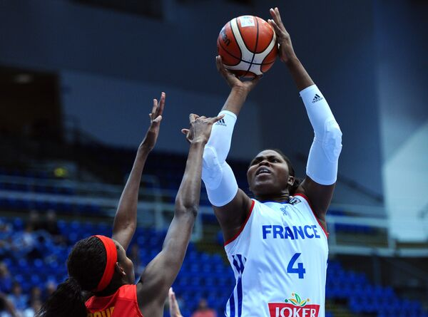 Центровая сборной Франции Изабель Якубу