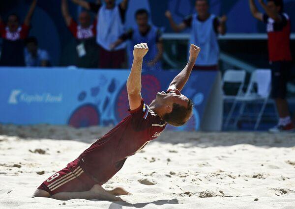 Нападающий сборной России по пляжному футболу Егор Шайков