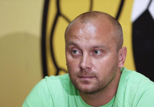 Главный тренер ФК Кубань Дмитрий Хохлов