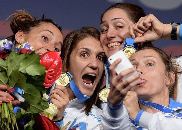 Рапиристки сборной Италии: Франческа Ди, Арианна Эрриго, Мартина Батини и Валентина Веззали (слева направо)