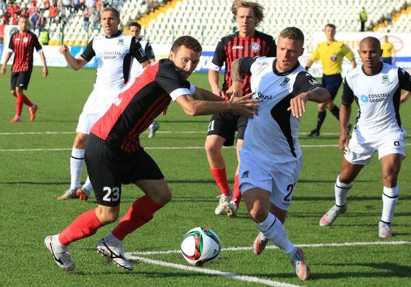 Игровой момент матча Амкар - Краснодар