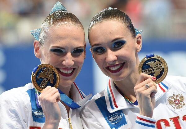Наталья Ищенко и Светлана Ромашина (справа налево)