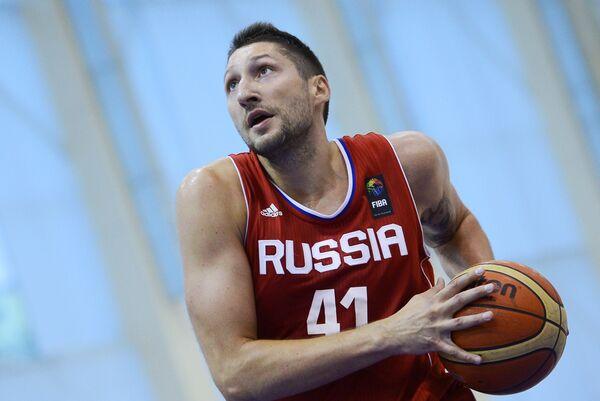 Форвард сборной России по баскетболу Никита Курбанов