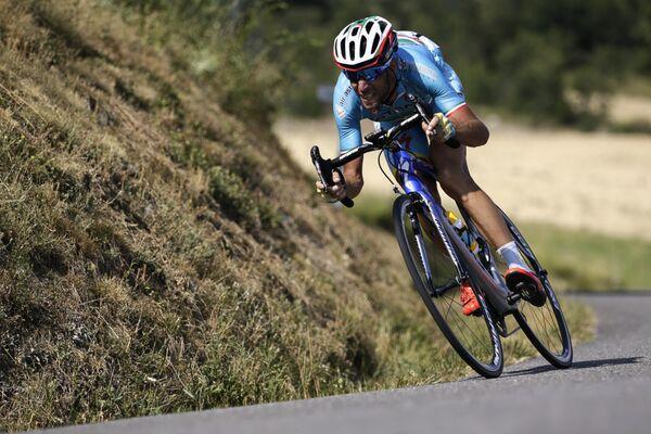 Итальянский велогонщик Винченцо Нибали из команды Астана