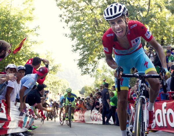 Велогонщик Астаны Фабио Ару во время этапа Вуэльты Испании