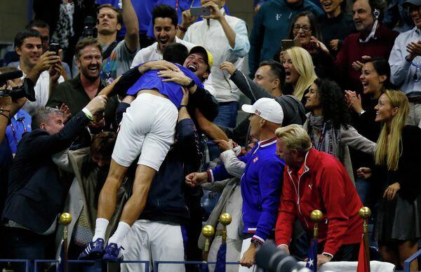 Радость Новака Джоковича после победы над Роджером Федерером в финале US Open-2015