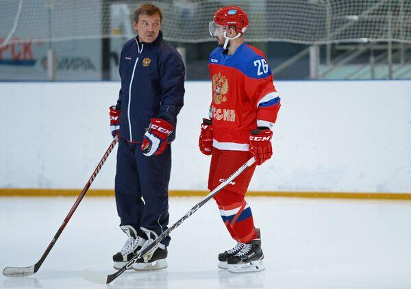 Олег Знарок (слева) и Вячеслав Войнов