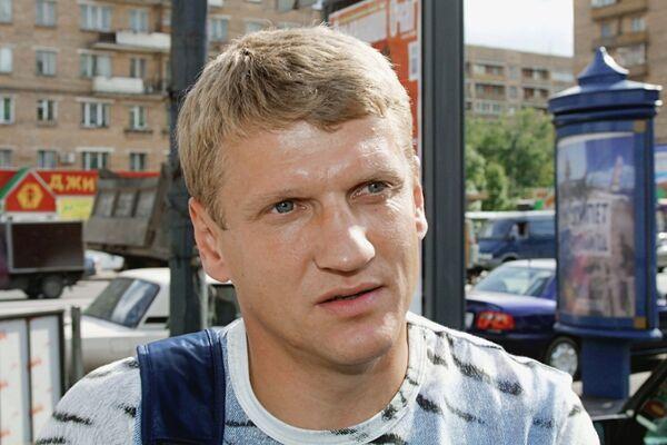 Член сборной команды России по футболу, игрок команды Ротор (Волгоград) Валерий Есипов, 2003 год